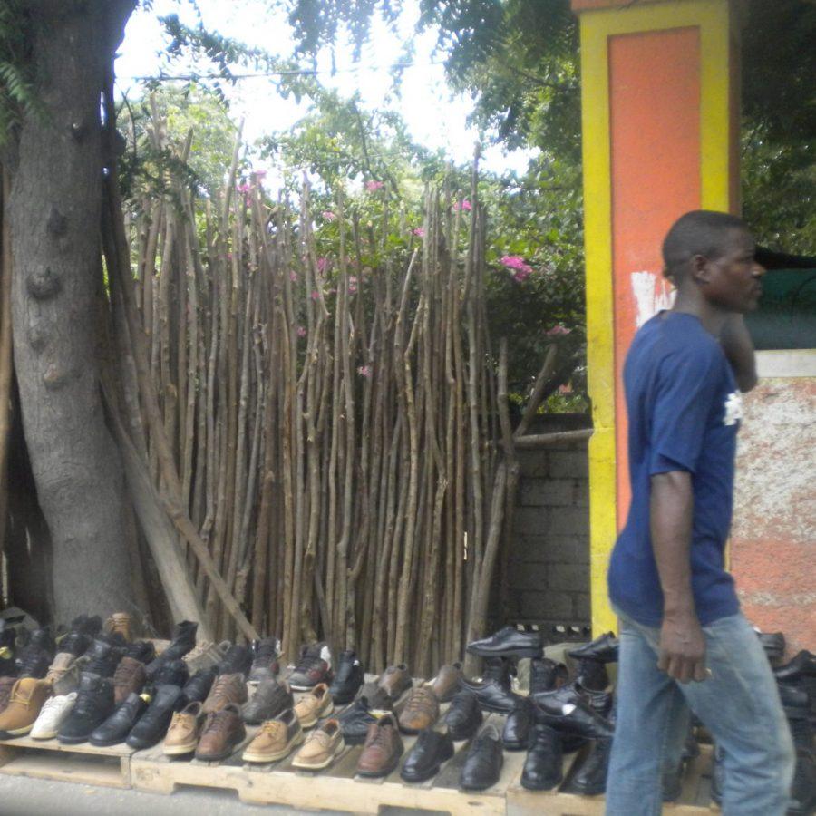 un marchand de chaussures